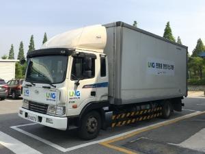 도로 위 미세먼지 잡는다  'LNG 튜닝 화물차' 시동 채비
