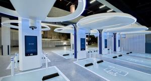 현대車, 주유소 허물고 초고속 전기차 충전소 오픈